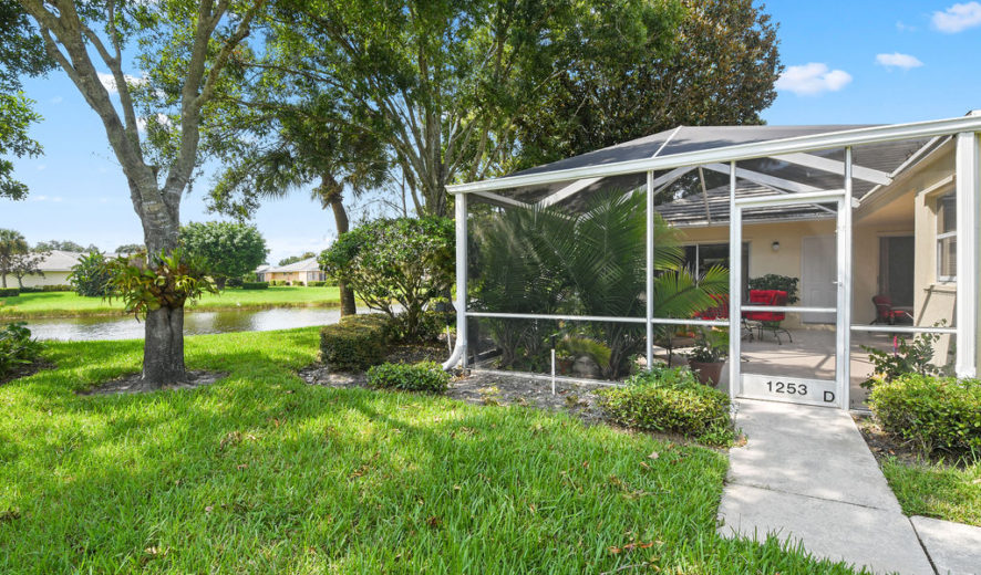2/2 Lake View Villa in St Lucie West
